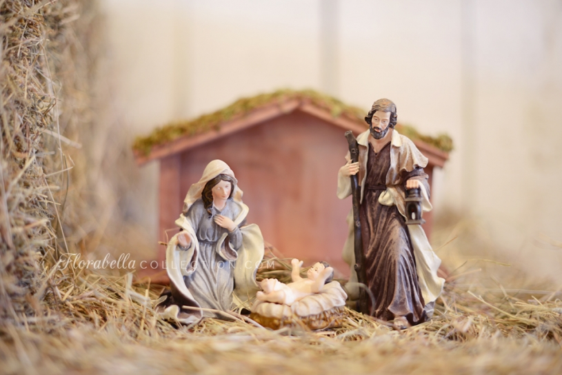 Florabella Nativity Scene Christmas decorated Barn